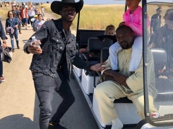 Lil Nas X Meets Kanye West & North West Was Totally Over It + 'Old Town Road' Tops Billboard Charts For Sixth Week, Knocks Taylor Swift From No. 1