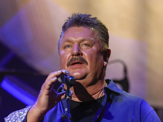 Country singer Joe Diffie dies of coronavirus complications
