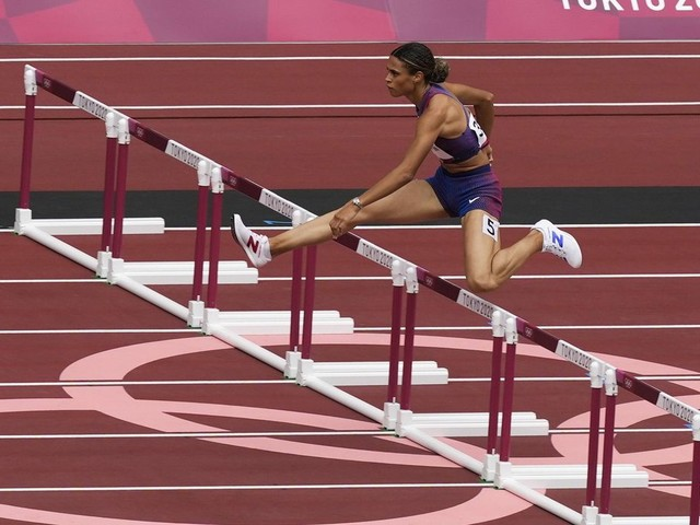 American women take to track with 400 meter hurdles rivalry