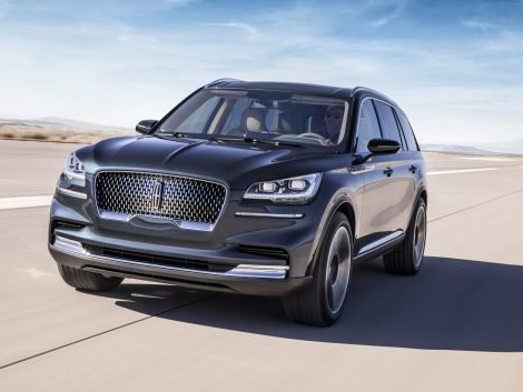 With Its Purpose-built Comeback Car, Lincoln Aims to Dethrone Cadillac