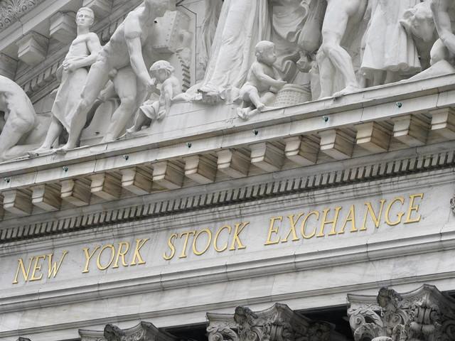 Dow Jones eclipses 30,000 as Biden transition begins