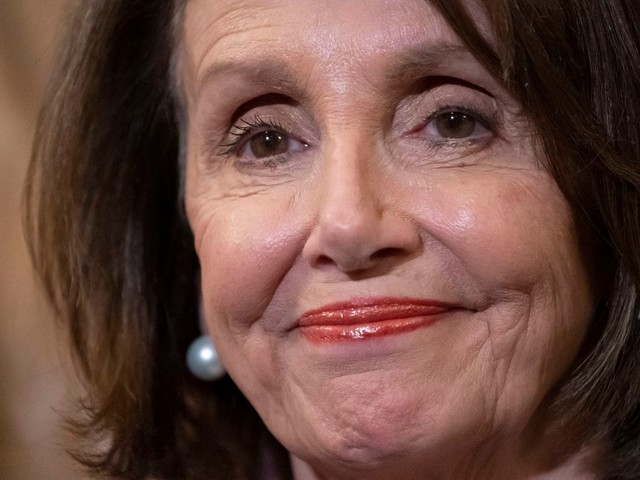 House Democrats fall in line with Pelosi's no-impeachment strategy despite Trump's defiance