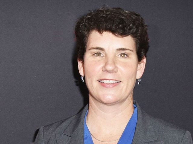 """Former Fighter Pilot Amy McGrath Is Ready To Take On """"Grim Reaper"""" Mitch McConnell"""