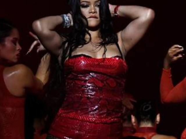 Gigi Hadid & More Walk in Rihanna's Savage X Fenty Runway Show