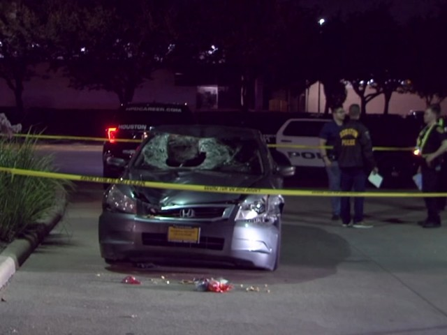 Driver runs after hitting and killing pedestrian in west Houston