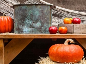 Boozing for Apples and 8 Other Adult Twists on Halloween Games