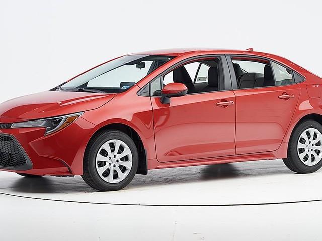 Toyota Corolla sedan earns safety award
