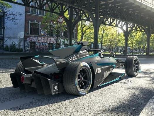 New Formula E Race Car Revealed: It Looks Like a Freaking Batmobile