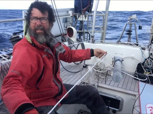Record sail: 200 days, 5 oceans, 90s stretches of sleep