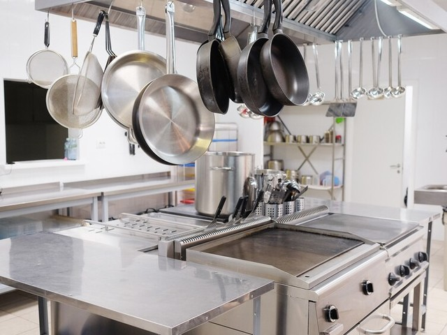 Creative Ways to Use Commercial Grade Restaurant Equipment to Improve Your Services
