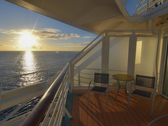 Photo tour of 2 Bedroom Grand Suite on Royal Caribbean's Freedom of the Seas