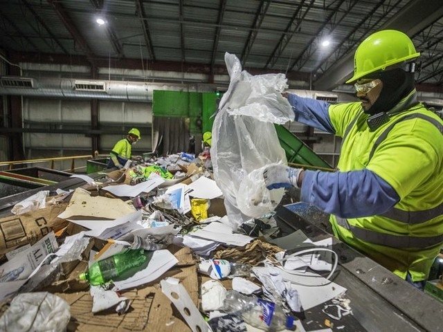 Seattle, King County to stop taking plastic bags in recycling