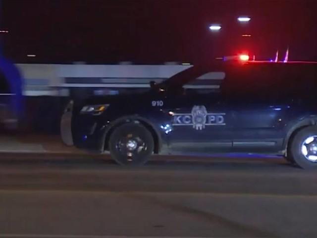 Shooting outside Kansas City bar kills 2, injures 15, police say