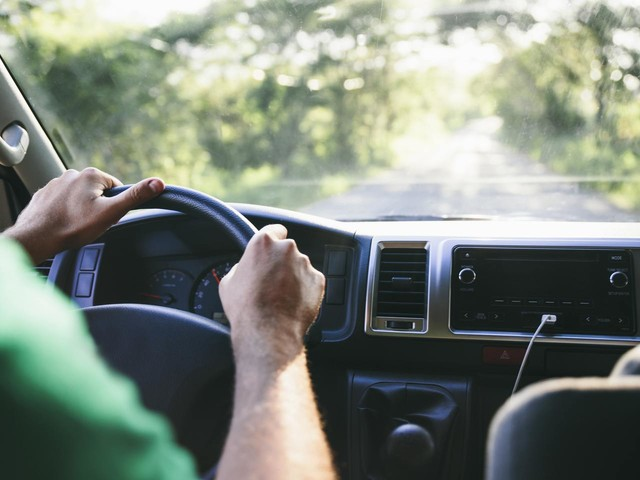 How To Save on Auto Insurance With Defensive Driving Courses