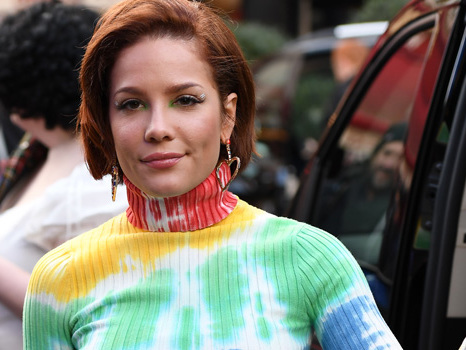 Halsey Reacts To Pregnancy Rumors After She's Accused Of Rubbing A Baby Bump