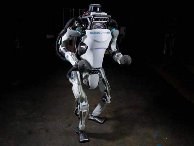 New Video Shows a Creepily Human-Like Robot Doing a Backflip
