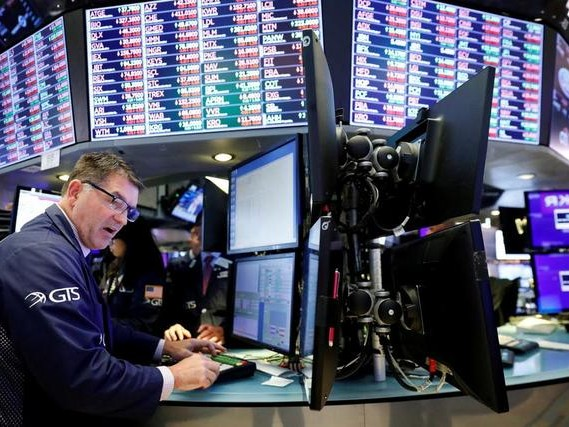 "Stocks Paralyzed Ahead Of Key GDP Print, Fed's ""Hawkish Cut"""