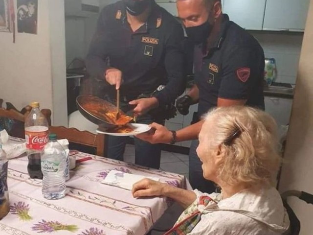 Italian Police Respond to Hungry Woman