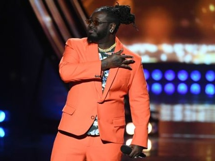T-Pain Was Serving Some Bold Spring Looks As The Host Of The 2019 iHeart Radio Music Awards