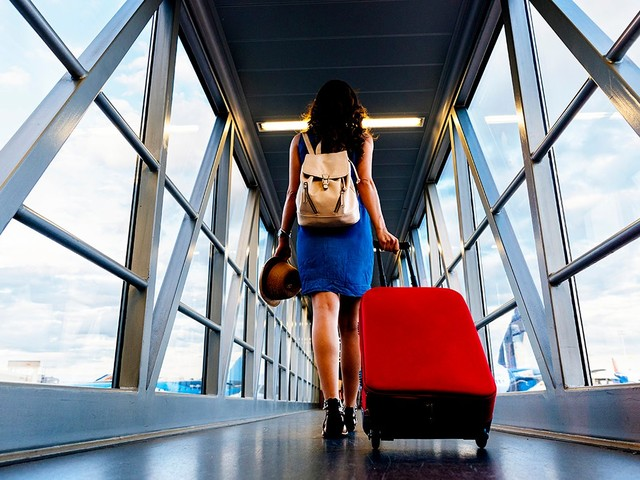 Still planning to travel during the holidays? Here's how to be savvy — and safe