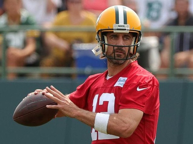 Couch: In his Packers feud, Aaron Rodgers channeled LeBron James and Tom Brady — and won nothing