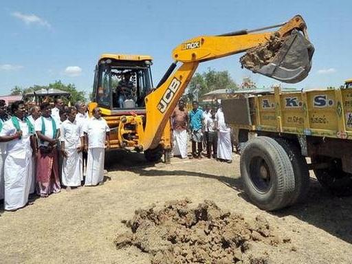 Distribution of top soil for fertigation commences