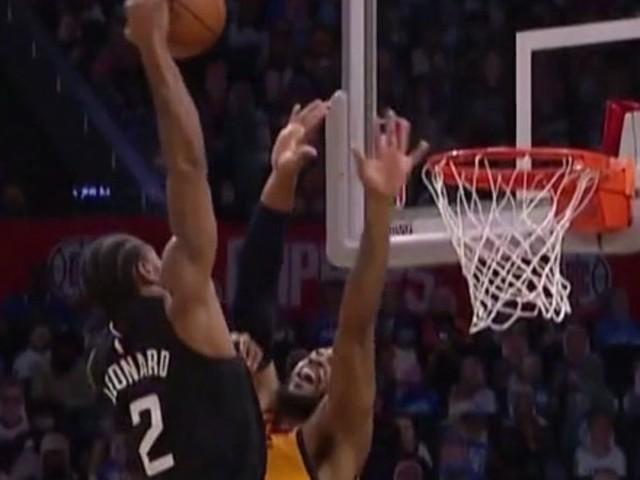 Kawhi Leonard saves his biggest dunks for the NBA Playoffs