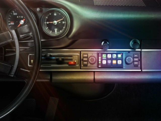 How to install Apple CarPlay in older cars