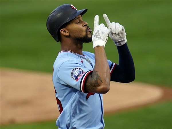 Twins top Tigers in 10th, sit half-game behind White Sox