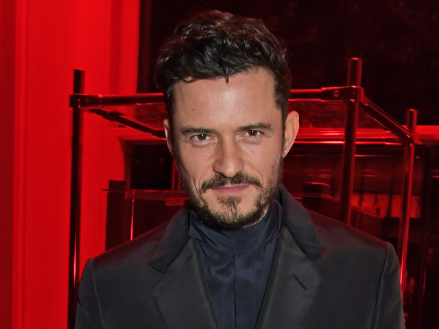 Orlando Bloom Celebrates 'Flaunt' Magazine Cover in London