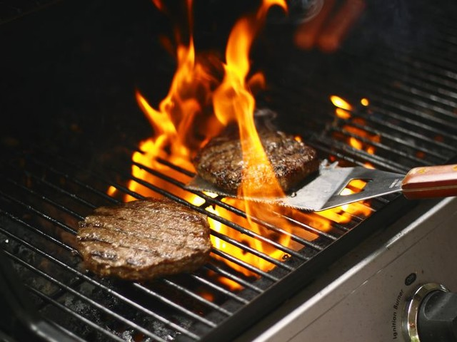 11 Hot Tips to Make Your Grill Last