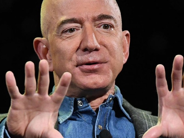 We asked a Harvard Business School professor to analyze Jeff Bezos' departure letter. Here's where it was successful — and where it could have been stronger. (AMZN)