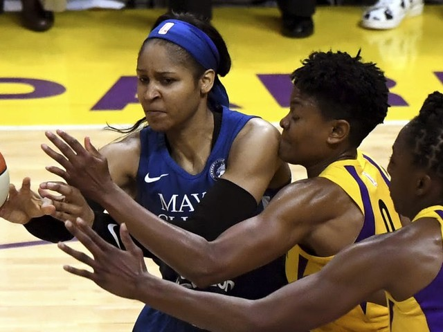 Questions linger after report Moore may sit out 2019 WNBA season