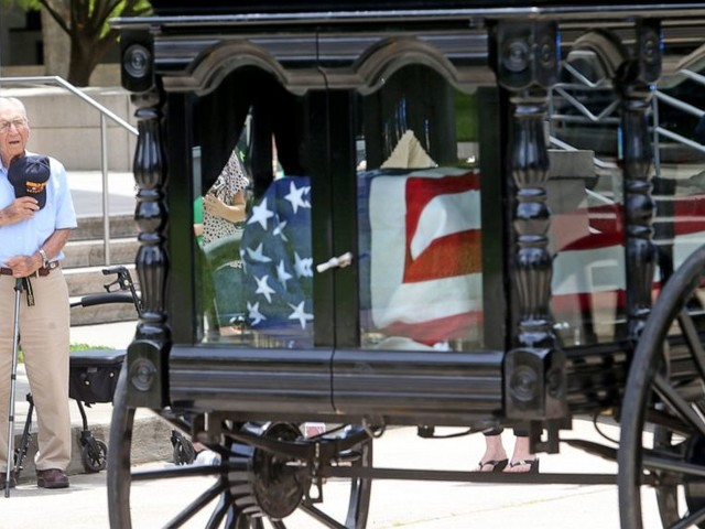 Final parade: Ex-Gov. Edwards carried to funeral site