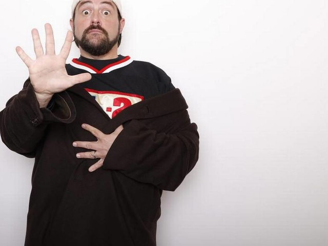 Director Kevin Smith to donate residuals from Weinstein-backed films to women's nonprofit