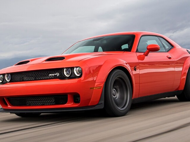 Summer Madness: Dodge Challenger SRT Super Stock