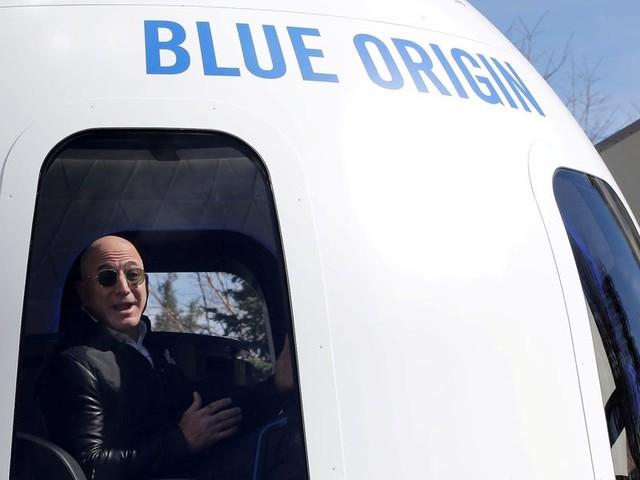 Winning bid for a seat on Jeff Bezos' Blue Origin spacecraft goes for $28 million