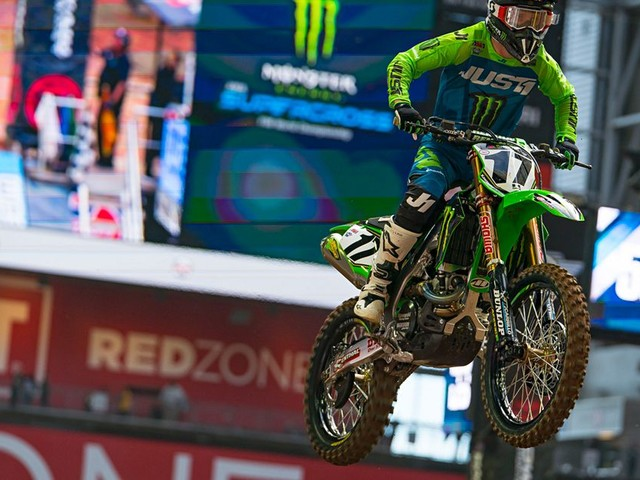 2019 Glendale Supercross | Joey Savatgy Injury Update - Concussion In Heat Race