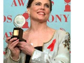 Scholarship created to honor choreographer Ann Reinking
