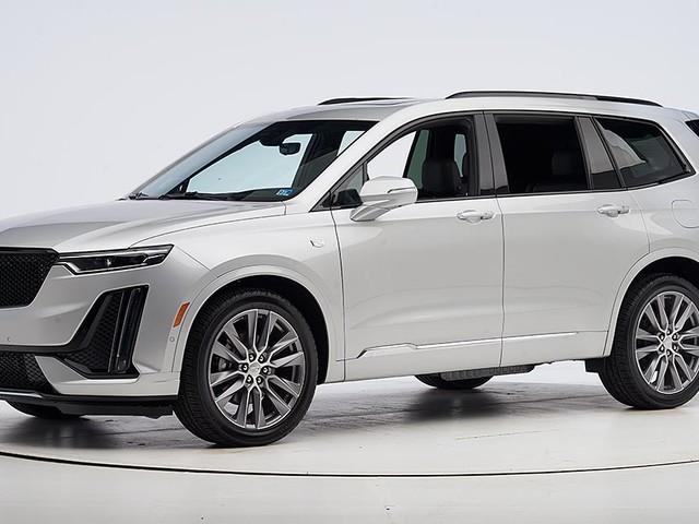 New Cadillac SUV earns safety award