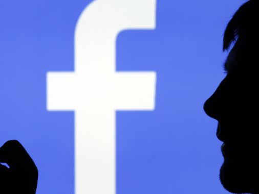 Senators ask if Facebook really lets users opt out of location tracking