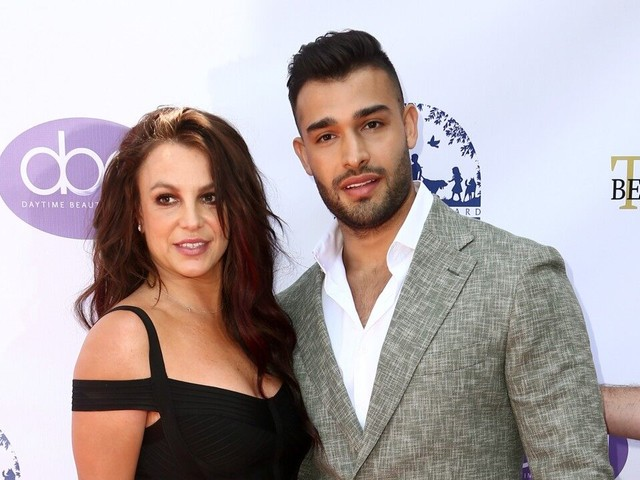 Britney Spears Feels 'Beautiful' as She and Boyfriend Sam Asghari Make Red Carpet Appearance