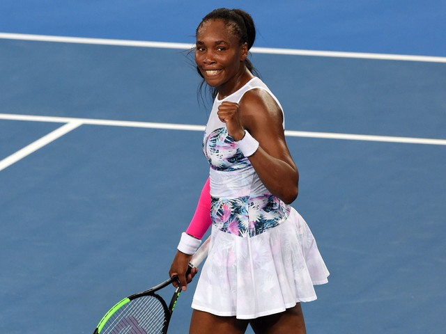 Venus Williams, unseeded in Australia, will face No. 1 Simona Halep in third round