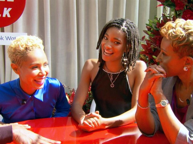 """E! Sits at the """"Red Table"""" With Willow, Jada Pinkett Smith & Gam"""