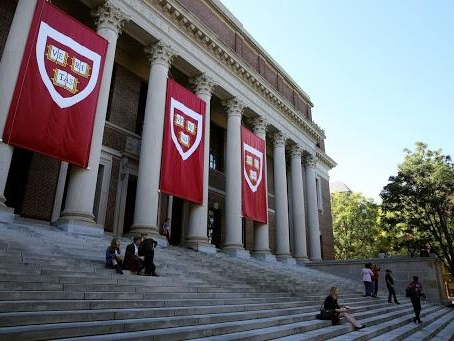 Harvard, MIT Sue ICE Over Student Visa Guidelines