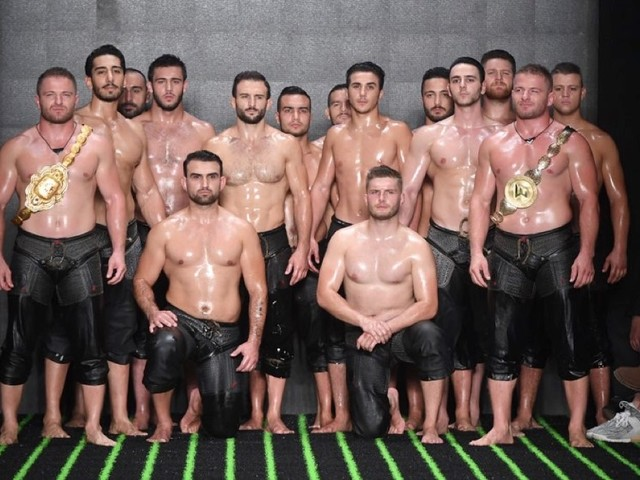 The Y Plus By Yakup Bicer Featured Lots of Skin on the Runway — PHOTOS