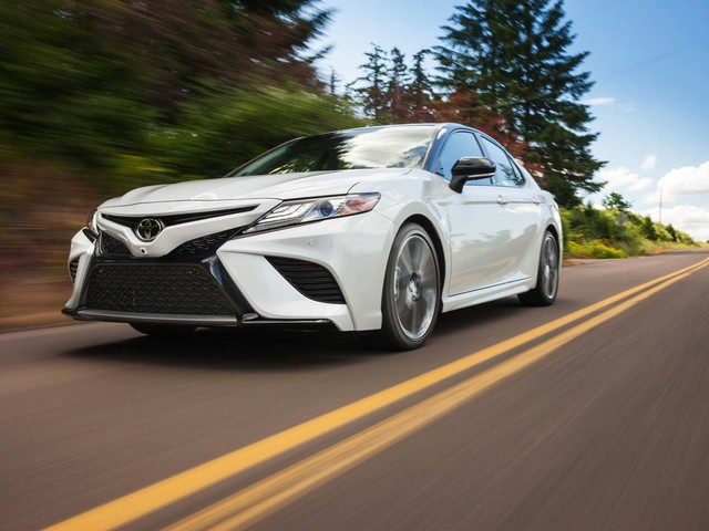 2018 Toyota Camry: Why Keep the V-6?