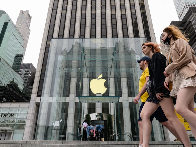 Apple posts another record-breaking quarter thanks to the iPhone