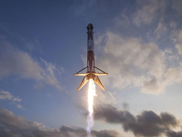 SpaceX's Starlink Internet Service Will Exit Beta Next Month