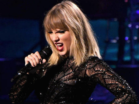 How Taylor Swift Made Almost $400,000 in One Week